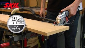 mini sierra circular eléctrica skil